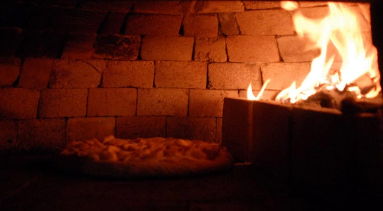 News The Top 5 Reasons To Use Fire Bricks When Building A Pizza Oven 01