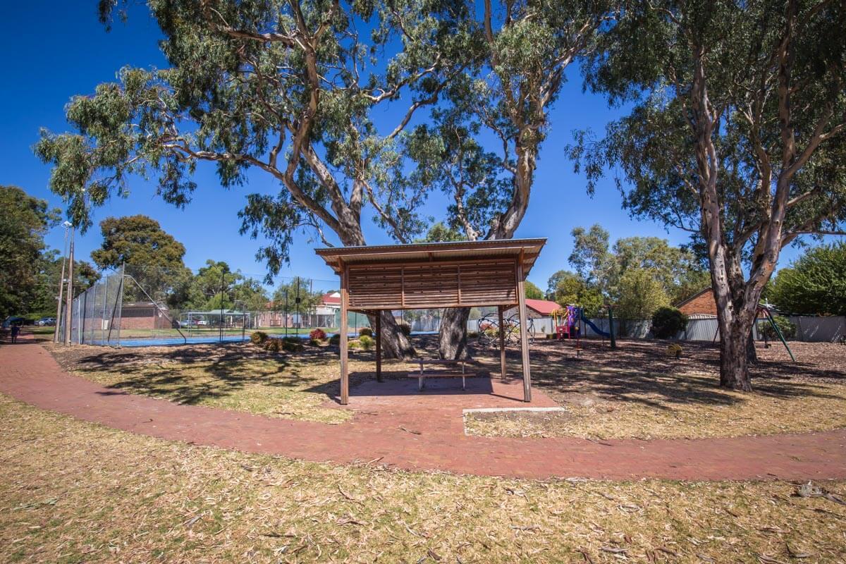 Littlehampton Pavers Adelaide Hills Towns 48