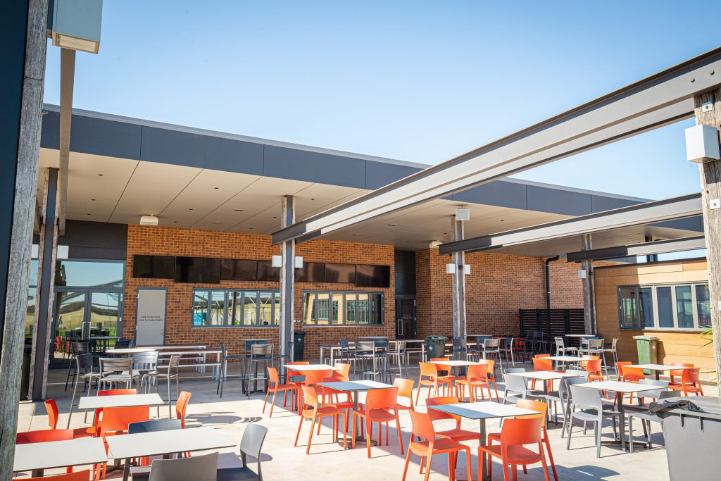 Murray Bridge Racing Club Siena Brick Littlehampton Clay Bricks And Pavers Rs 15