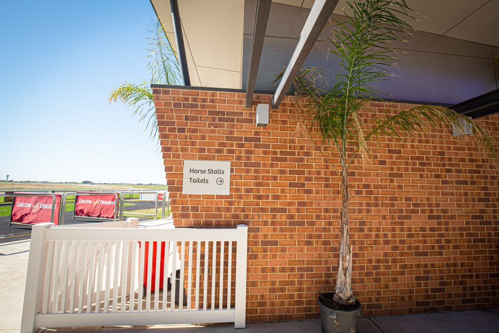 Murray Bridge Racing Club Siena Brick Littlehampton Clay Bricks And Pavers Rs 32