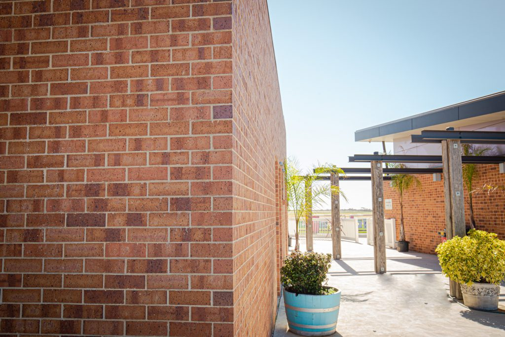 Murray Bridge Racing Club Siena Brick Littlehampton Clay Bricks And Pavers Rs 47