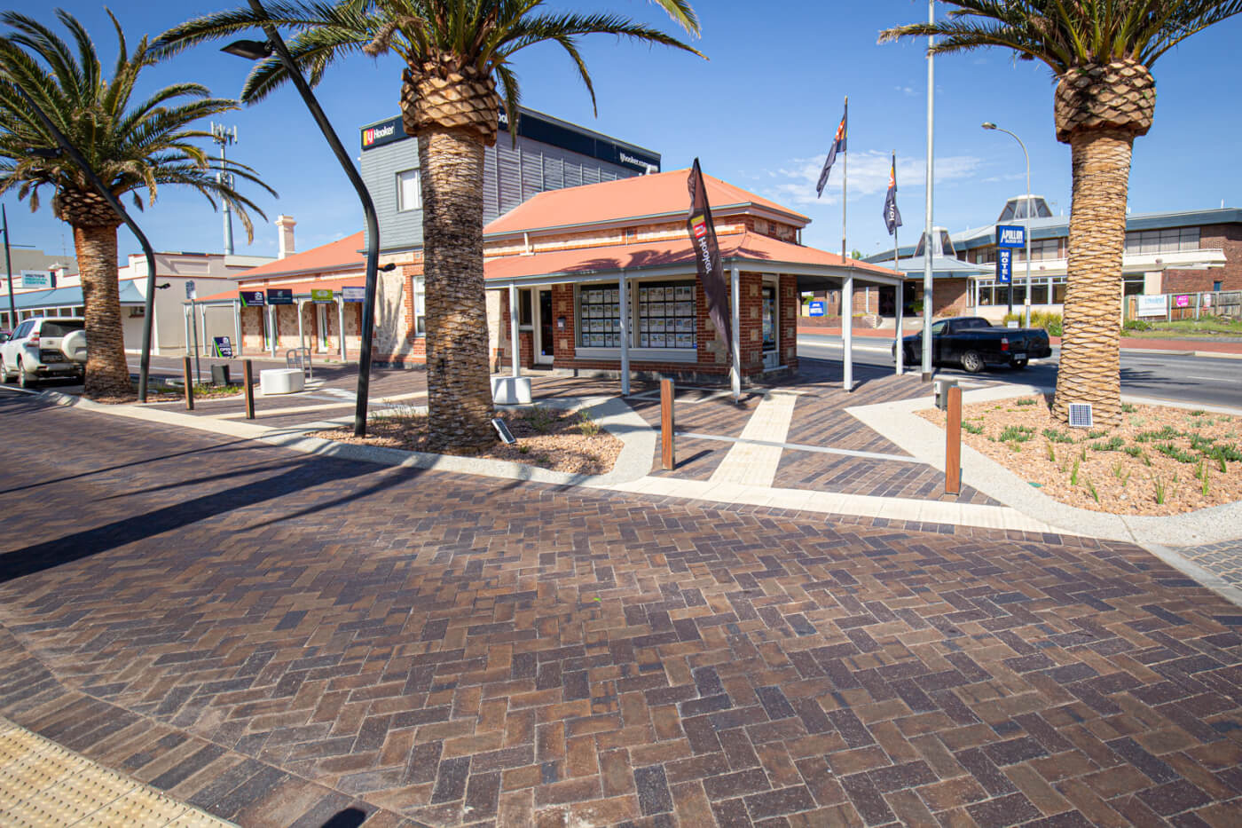 Victor Harbour Main Street Mahogany Pavers Littlehampton Brick Co Rs 16
