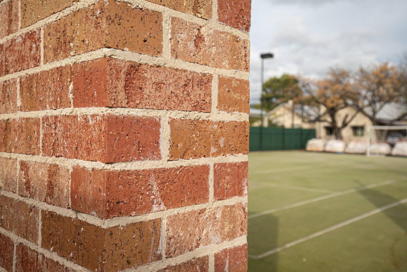Blush Brick Wall At Dulwich Adelaide Sa Littlehampton Bricks And Pavers 4