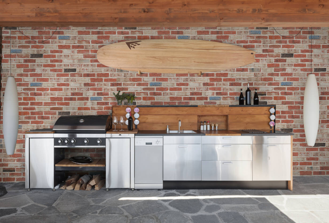 Maclaren recycled-style Brick wall in Outdoor Kitchen