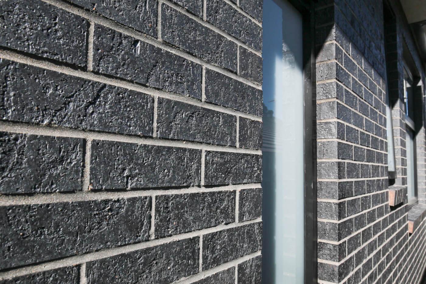 Midnight Black Brick Luxury Home Littlehampton Brick Rs 10