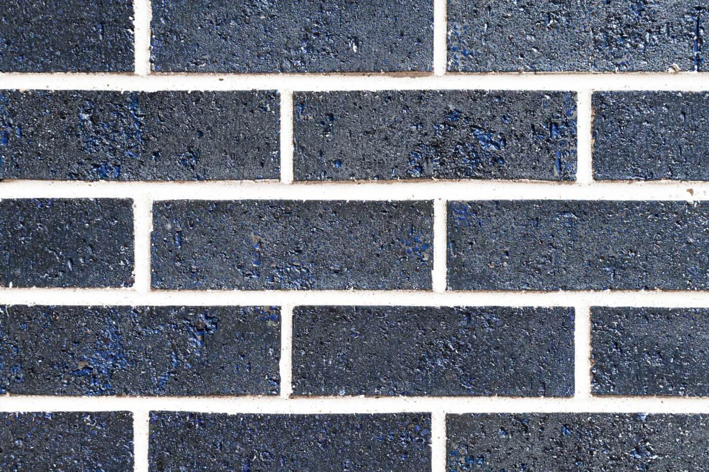 Maris Deep Purple Glazed Brick Wall Rs 1